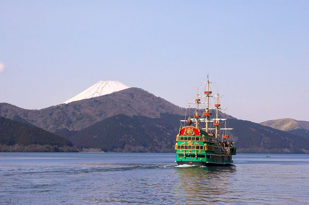 Viajar por japon-lago-ashi-crucero-hakone