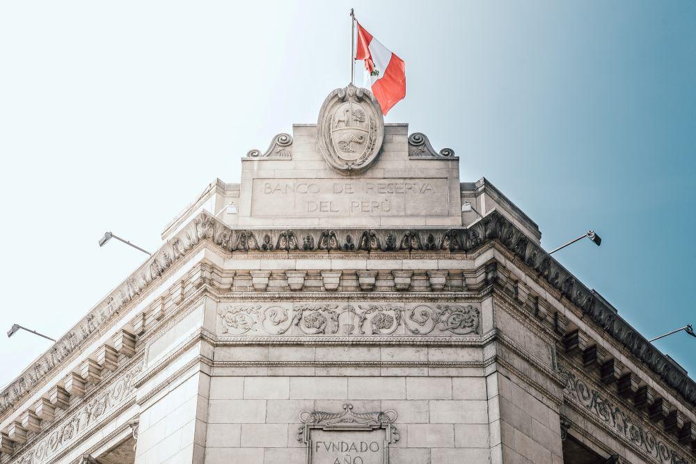 Viajar a Perú-lima_banco