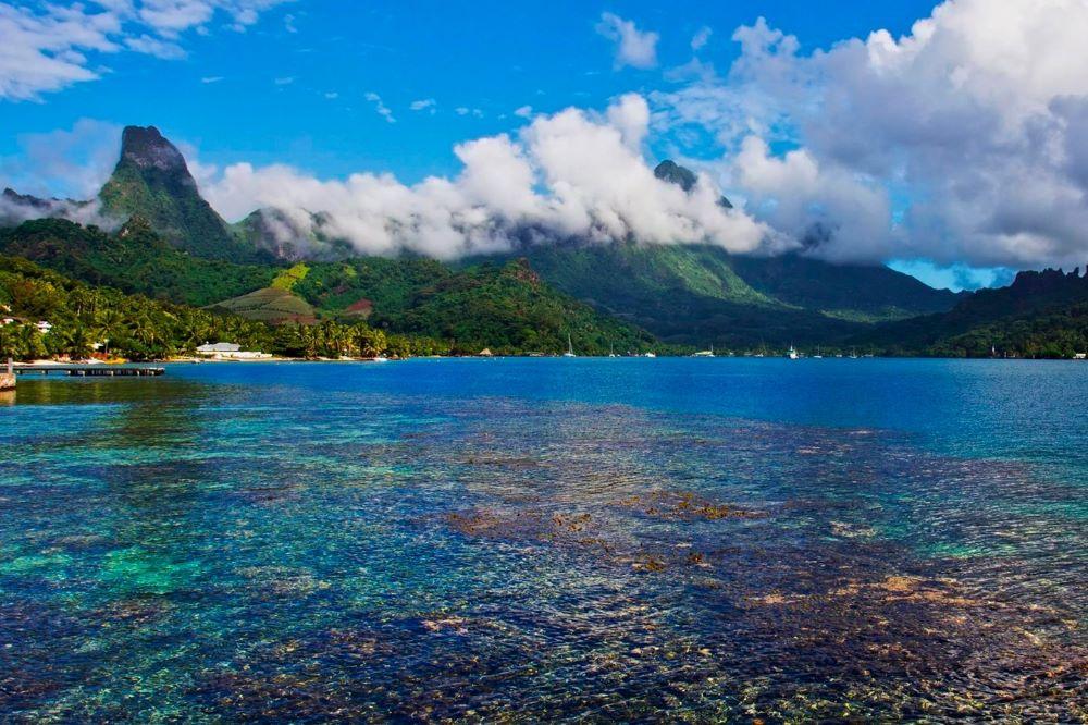 Viajar por Polinesia-cook-bay