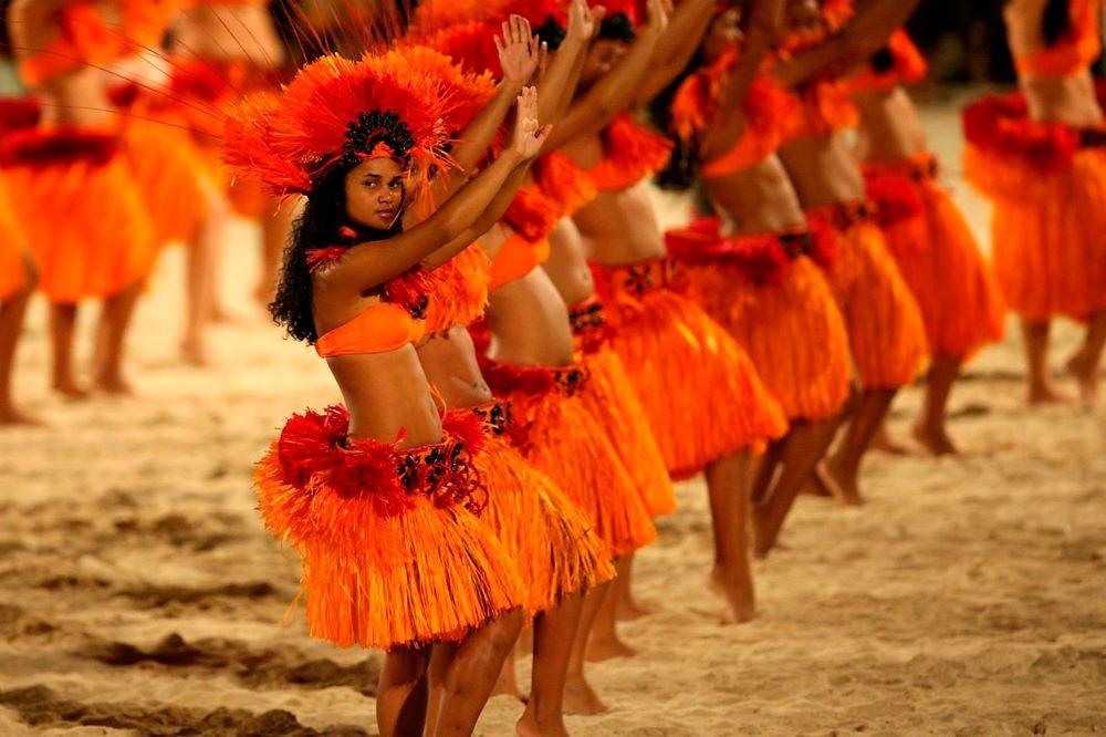Viajar por Polinesia-bora-bora-danza