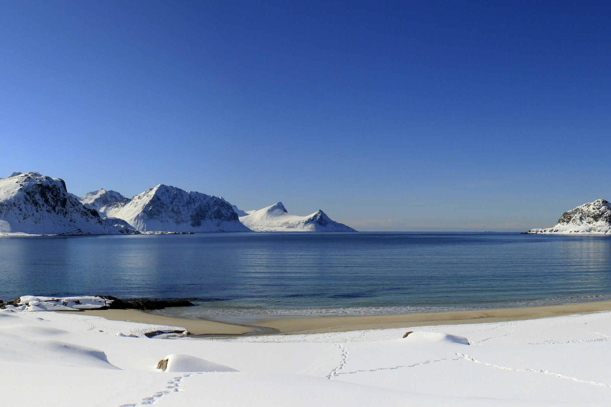 La gran experiencia polar. Ártico noruego. NUBA Everywhere. Lofoten playa