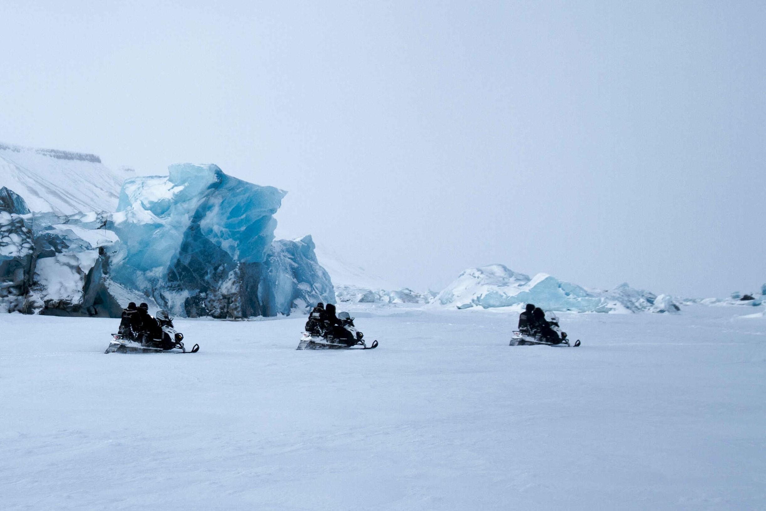 La gran experiencia polar. Ártico noruego. NUBA Everywhere. Svalbard motos nieve