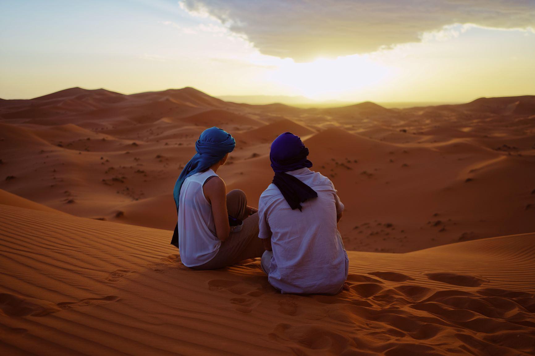 Marrakech. Lujo gastronómico. Nuba everywhere. Desierto pareja