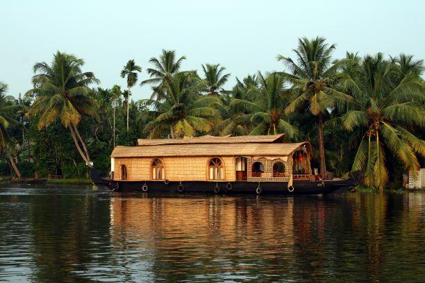 El corazón de un gran país. India del Sur. NUBA everywhere. Barco kerala