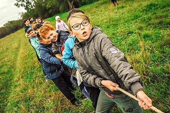 Canadá Challenge. El viaje de los retos. NUBA everywhere. Niños en el bosque