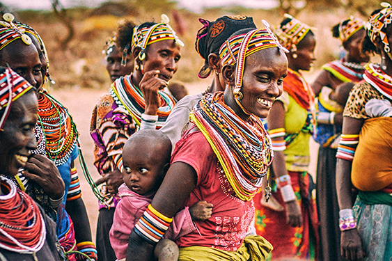 Kenia. Visita a la tribu Masai. NUBA everywhere. Mujeres masai Kenia