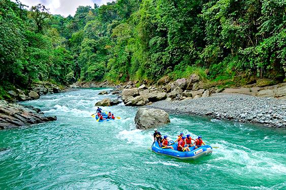 Costa Rica. En busca de las mariposas. NUBA everywhere. Rafting rio Pacuare