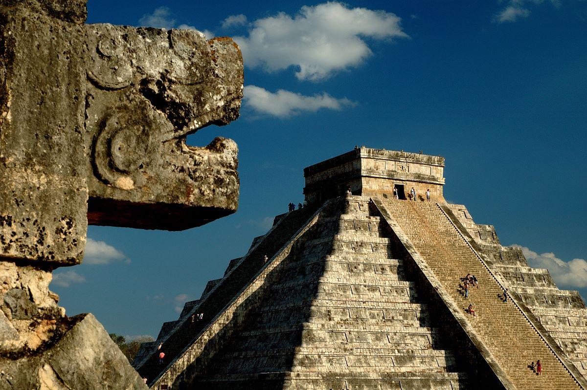Viaje mexico-piramide-de-chichen-itza-en-el-yucatan