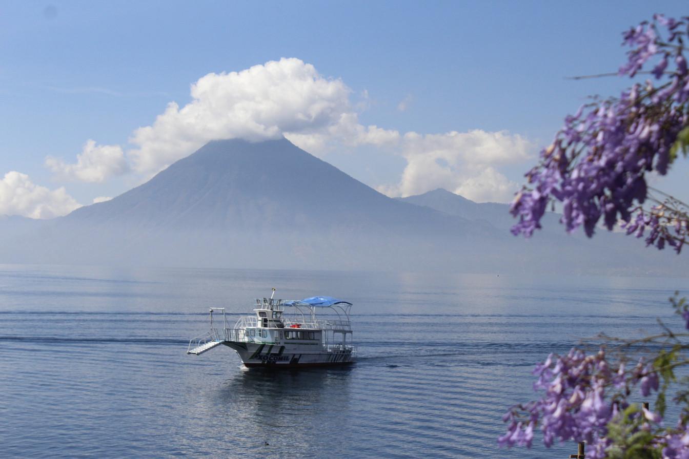 Viaje Guatemala-atitlan-barca