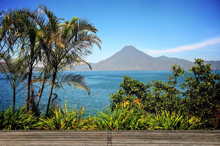 Viaje Guatemala-atitlan-lago-y-volcan