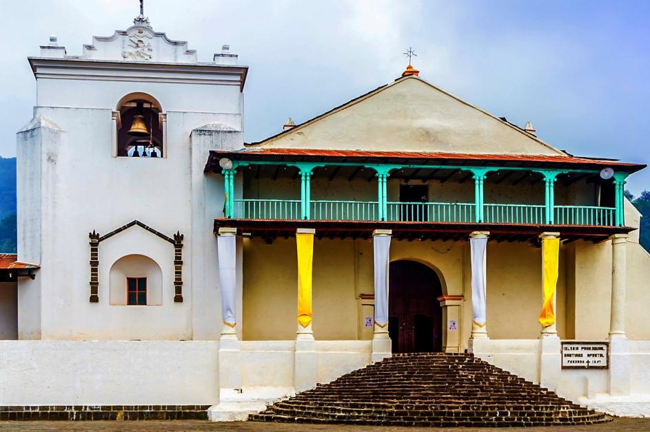 Viaje Guatemala-iglesia-apostol-santiago-de-atitlan