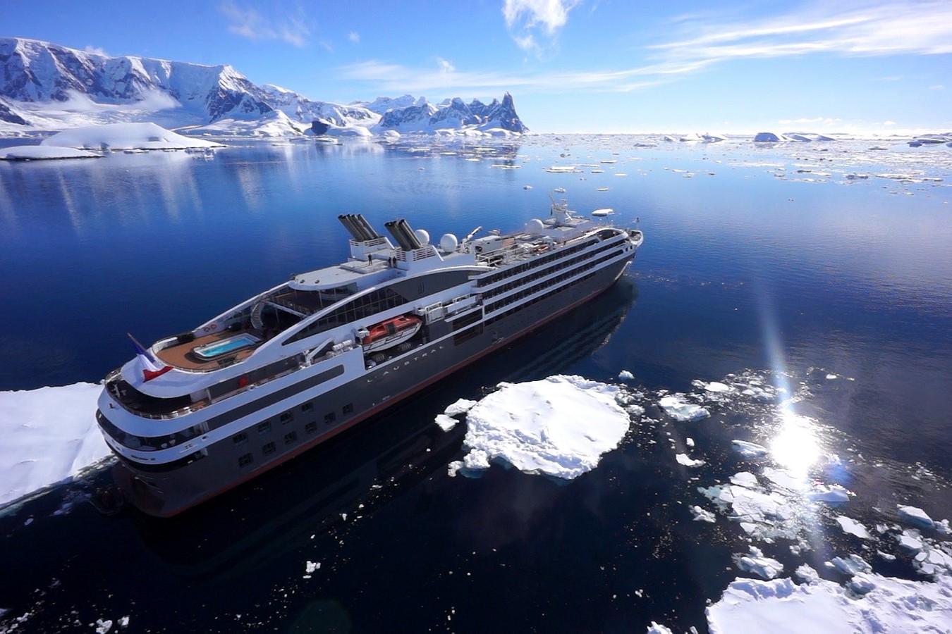 cruceros-ponant-explorer-icebreaker