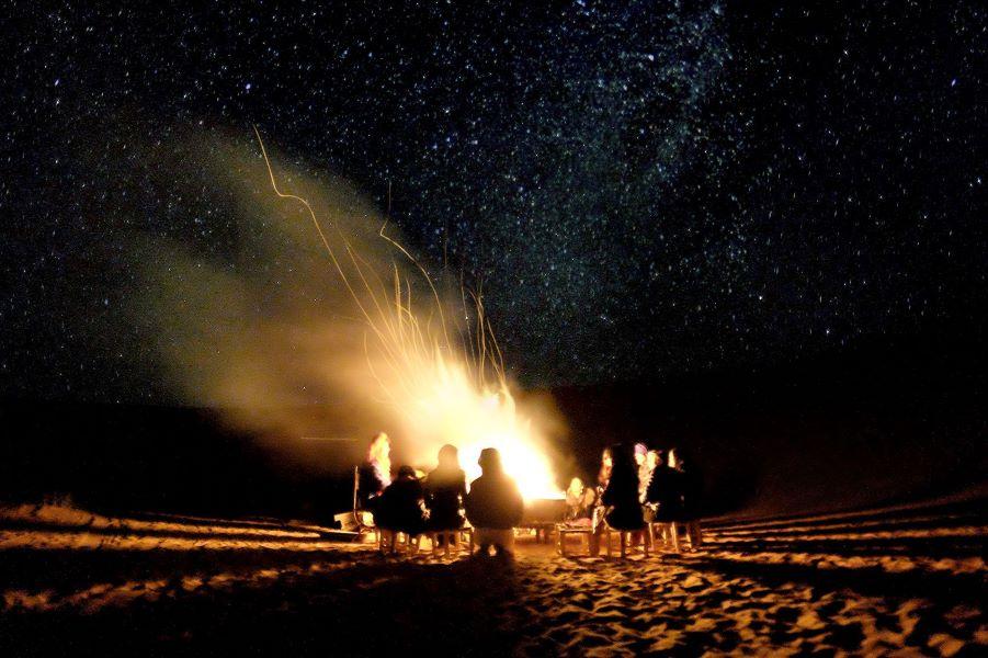 Viaje Marruecos Reyes Magos-hoguera-desierto-marruecos