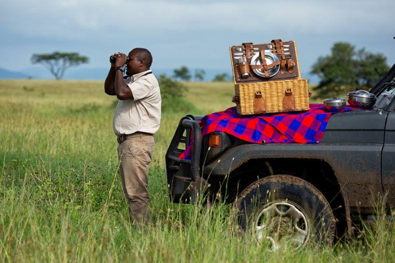 Viaje Kenia y Tanzania-ranger en kenia