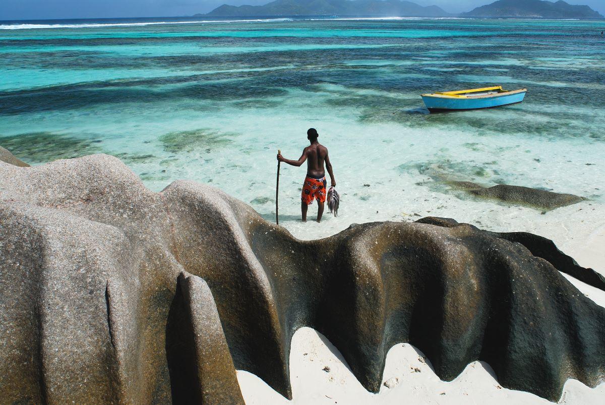 Viajar a Seychelles-playa-pescador