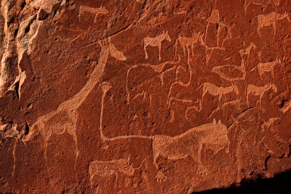 Viajar a Namibia-damaraland_petroglifos_de_twyfelfontein
