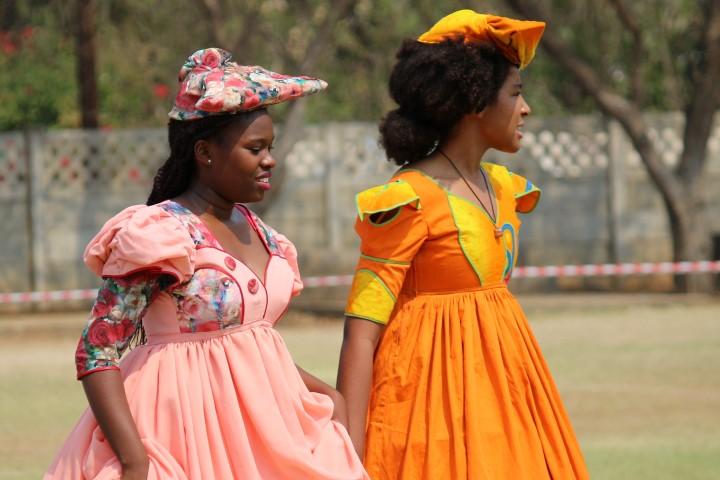 Viajar a Namibia-mujeres-herero
