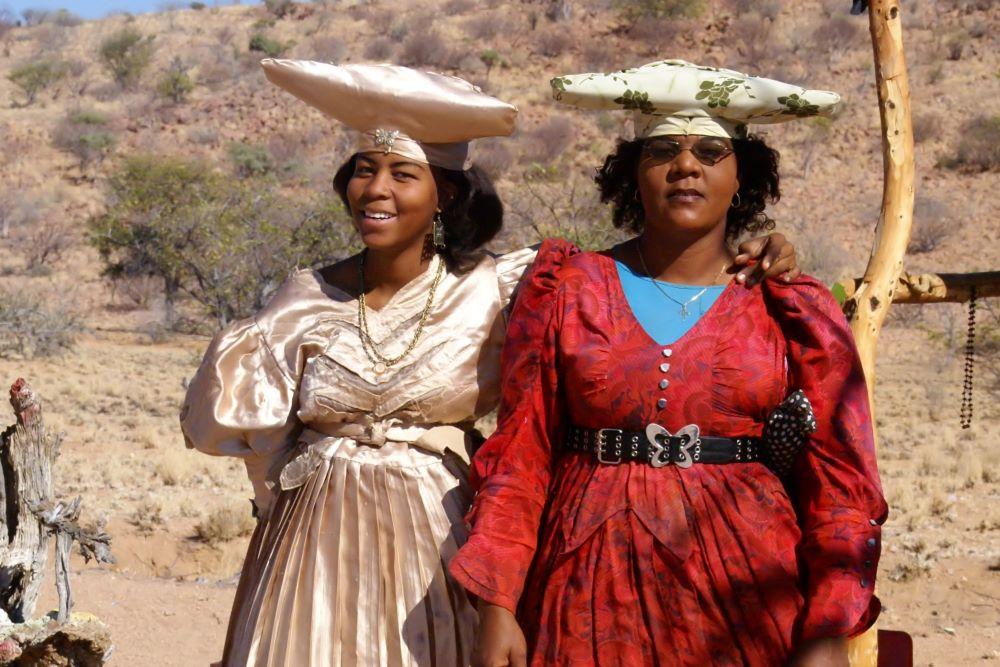 Viajar a Namibia-mujeres-herero2
