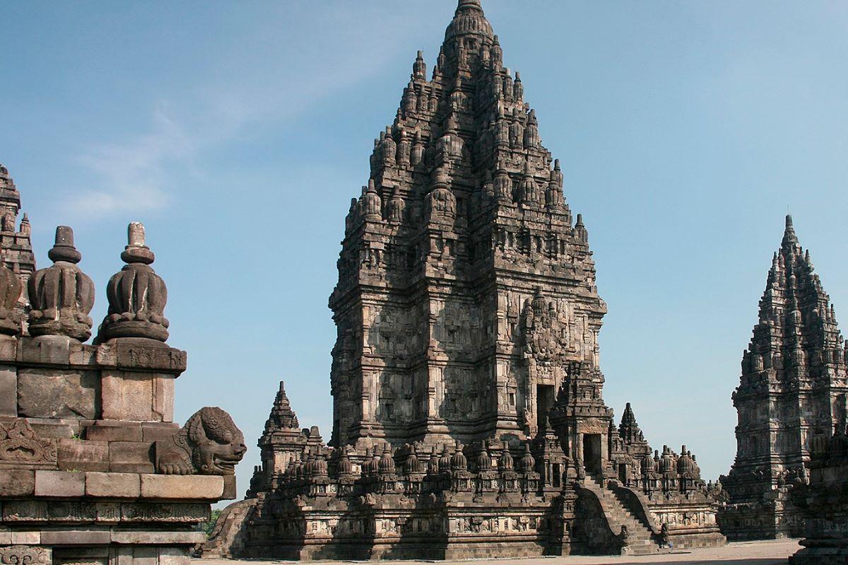 Viajar a Bali-candi-shiva-mahadeva-prambanan