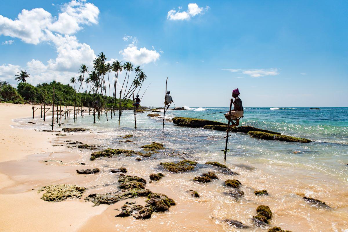 Viajar a Sri Lanka-pescadores-de-zancos