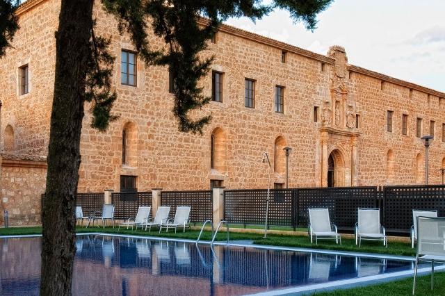 Viajar por España -burgo-de-osma-castillo-termal