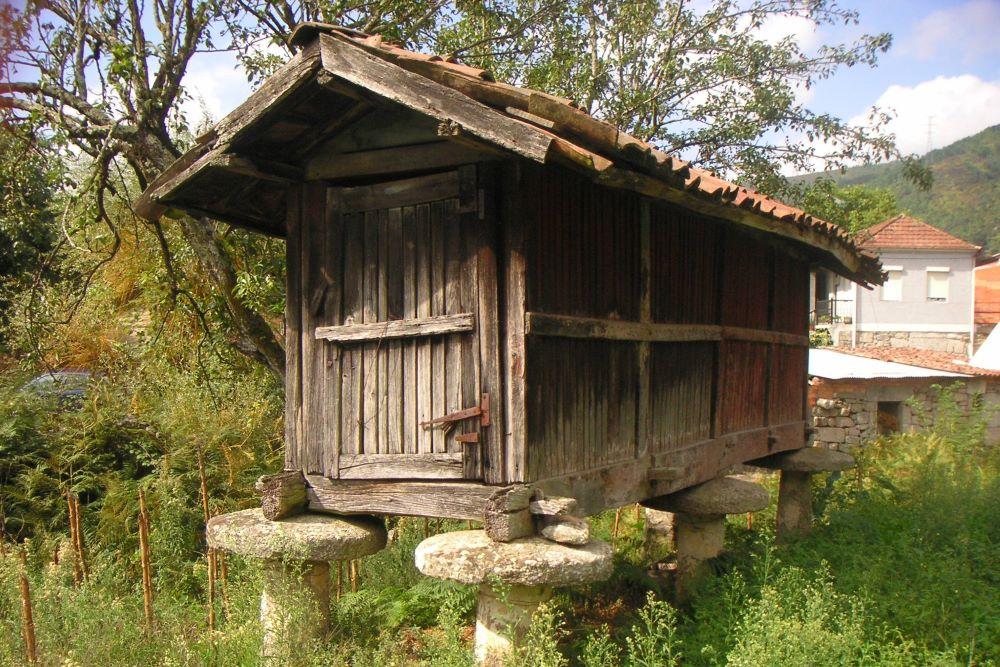 Viajar por España - Galicia horreo