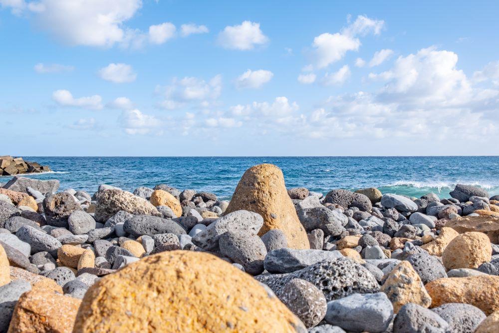 Viajar por España -la-palma-playa