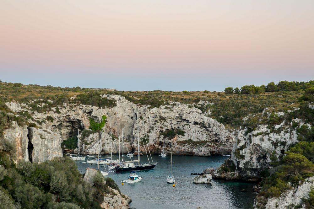 Viajar por España -menorca-calma-mar