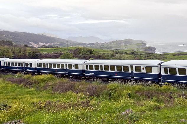 Viajar por España - Tren Transcantabrico